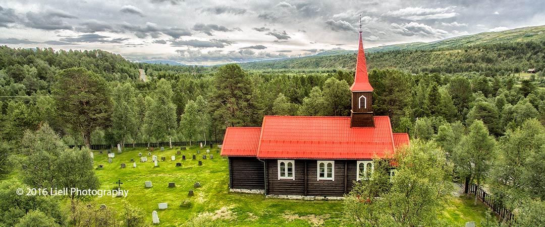 Holøydalen kirke. Foto: Liell Photography / Ingrafo AS
