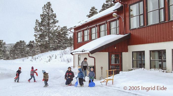 Sentralskolen i Øversjødalen. Foto: Ingrid Eide