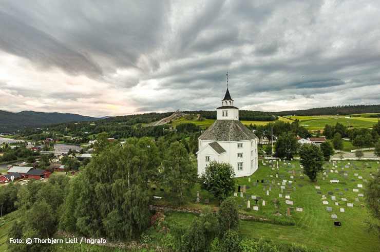 Tolga kirke. Foto: Thorbjørn Liell / Ingrafo